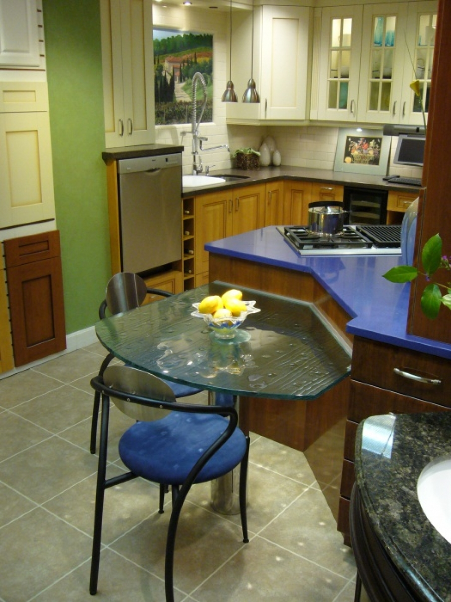 6 Tables & Counter Tops